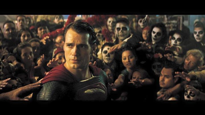 Batman v Superman Trailer is Here 1