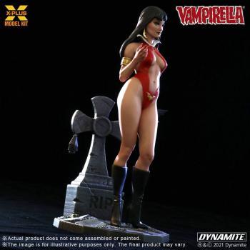 Vampirella Plastic Model Kit - Vampirella 1/8